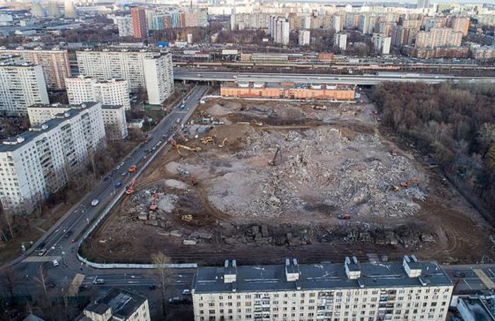 Завершение сноса Ховринской больницы в Москве.