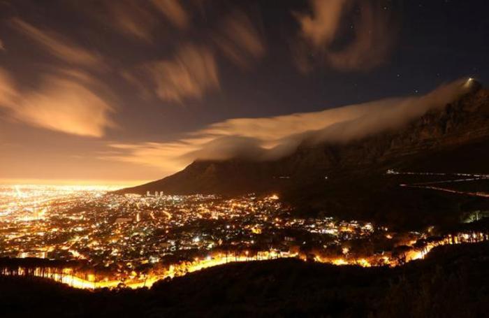 Облака над Кейптауном, ЮАР.