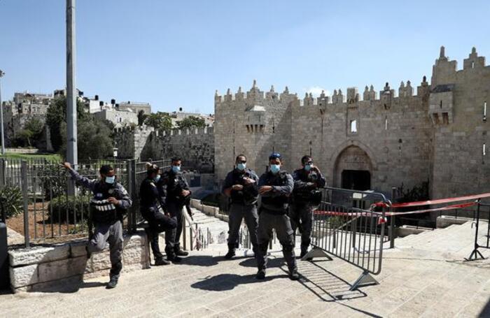Полицейский патруль в Старом городе Иерусалима. В Израиле введен карантинный режим из-за роста числа заболевших коронавирусом.