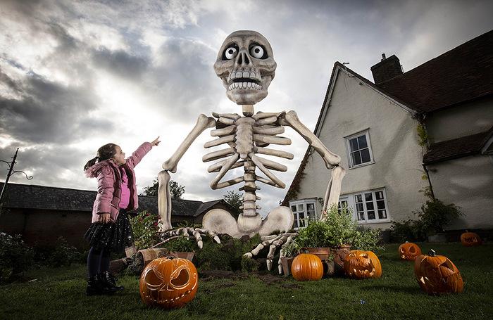 Подготовка к Хэллоуину в британском Стивенидже.