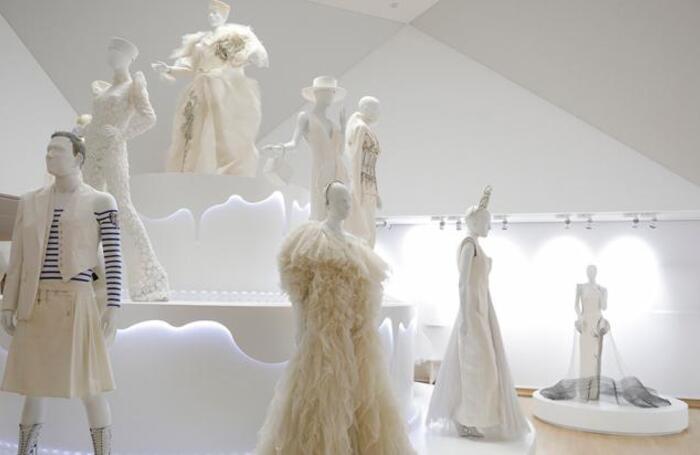 Выставка Love is love французского дизайнера Жан-Поля Готье откроется 28 ноября в Музее современного искусства в Белграде