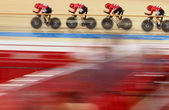 Квалификационные соревнования на велотреке во время Олимпийских игр в Токио.