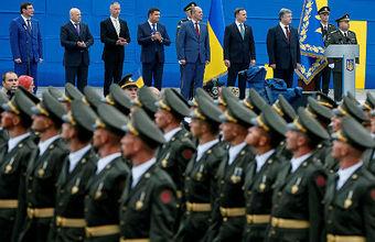 Обзор инопрессы. Военным парадом в Киеве Порошенко дал «сигнал врагу»