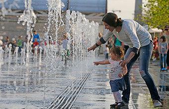 Тепло и гигантские пробки: прогноз на последние выходные лета