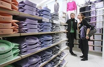 Рынок одежды и обуви растет, но россияне по-прежнему экономят