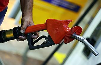 Бензин в США стал дешевле, чем в России?