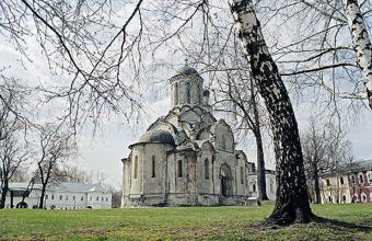 Бизнес на костях: владелец бывшей шашлычной претендует на территорию монастыря
