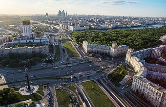 Дорожный казус на Садовом — вместе с Ленинским закрыли еще и ЦДХ