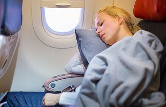 Спать в самолете опасно для здоровья?