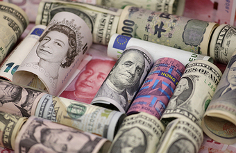 Банкам дали право отказывать в валютных операциях