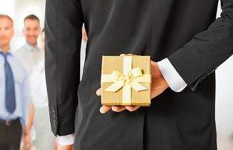 Корпоративные VIP-подарки подешевели. В моде импортозамещение и концептуальность