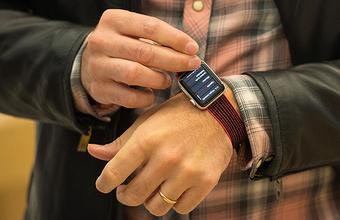 Продажи Apple Watch обогнали экспорт швейцарских часов