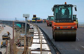 Крымский мост откроют для легковых машин и автобусов раньше срока