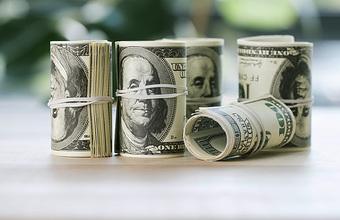 Санкции угрожают долларовым депозитам в российских банках?
