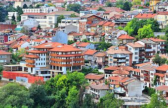Звездное жилье в Болгарии: Лолита и ее коллеги жалуются на свиноферму и отсутствие воды