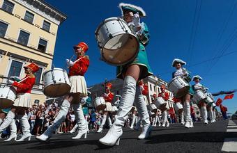 Слоны, оркестр и карнавал