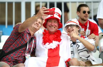 Футбольная перезагрузка: и английские фанаты, и британская пресса нахваливают ЧМ