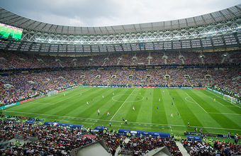 «Добродушный напиток». Известные болельщики — о предложении Путину вернуть пиво на стадионы