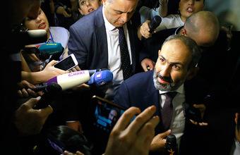 Пашинян — политик-супермен. Отставки, аресты и ссоры с бизнесменами за два месяца после прихода к власти