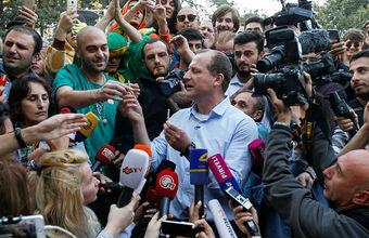 Раздавал косяки. Кандидата в президенты Грузии задержали на Фестивале легализации конопли