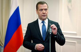 Победителей не будет: Медведев высказался о торговой войне Китая и США