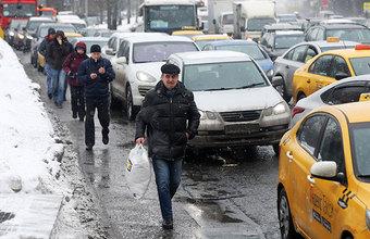 Что привело к транспортному коллапсу в Москве?