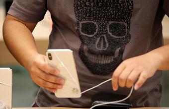 iPhone стал жертвой торговой войны