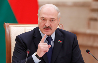Лукашенко: «Если нас хотят впихнуть в Россию, этого не будет никогда»
