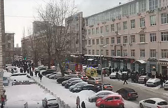«Всех, кто был в опасной зоне, эвакуировали»: в Перми загорелся бизнес-центр