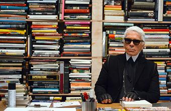 Памяти Карла Лагерфельда: пять историй о том, как кутюрье изменил мир моды