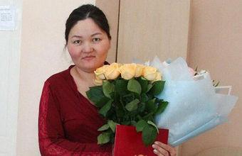 Жительницу Омска попросили заплатить налог на подарки от мэрии в роддоме