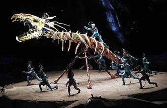 Священное древо и синие человечки: в Москву привезли шоу канадского Cirque du Soleil