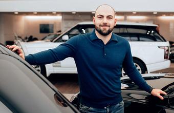 Как продажи автомобилей в России выходят на новый уровень