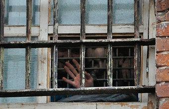 Плата за пытки. Заключенным дадут право на денежные компенсации?