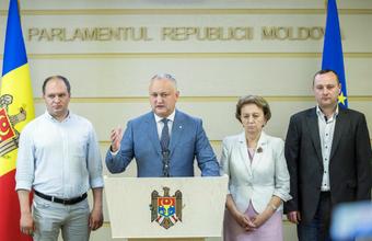 «Дальше начинается работа нового правительства и парламента». Кризис в Молдавии закончился