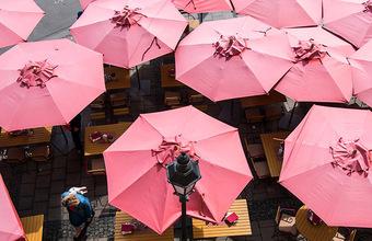 Кафе и ресторанам Москвы предложили закрыть летние веранды из-за непогоды