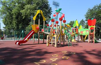 Насколько экологичны покрытия для детских площадок?