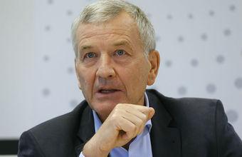 СК просит суд заочно арестовать основателя компании «Рольф» Петрова