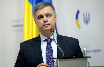 «Декларировать идеи и выполнять их — абсолютно разные вещи». Почему разведение сил в Донбассе сорвалось?