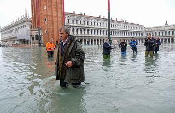 Венеция тонет: наводнение может стать сильнейшим за полвека