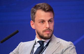В чем суть конфликта между Ильей Сачковым и таксистами?