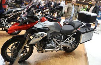 BMW намерена запустить в России сервис аренды мотоциклов. Ждет ли проект байкшеринга успех?