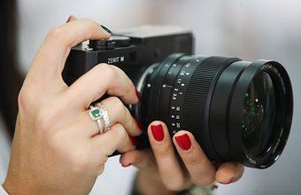 Знаменитый фотоаппарат по цене автомобиля. В России стартовали продажи «Зенита М»