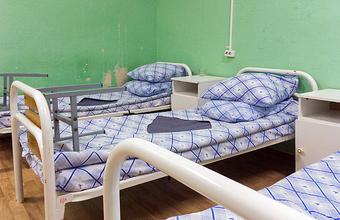 «Там люди стонут». Житель Омска два дня не мог добиться, чтобы его тяжелобольному отцу сделали перевязку