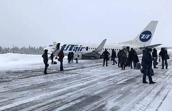 Самолет авиакомпании Utair приземлился «на брюхо» в аэропорту Усинска