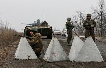 ЛНР и украинские военные обвиняют друг друга в обстрелах в Донбассе
