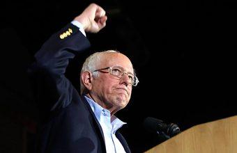 «Парень стартовал и бежит». Лидером предвыборной гонки у демократов становится Берни Сандерс
