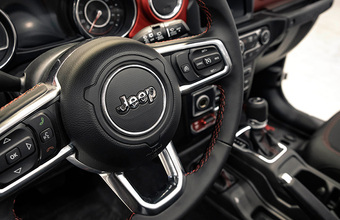 В перечне облагаемых налогом на роскошь автомобилей появились новые марки