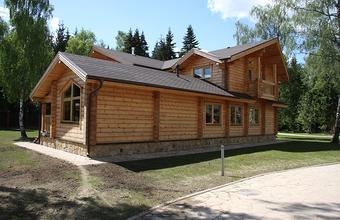 Самоизоляция на природе. На фоне карантина растет спрос на аренду загородных домов в нескольких российских регионах