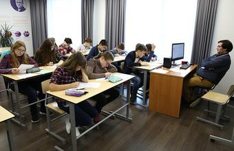 Глава Минпросвещения не исключает продления учебного года и переноса ЕГЭ